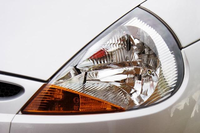 přední světlo auta