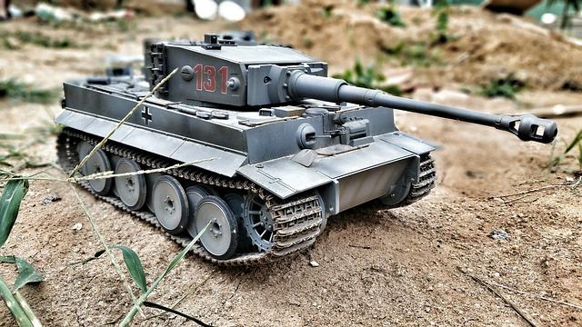 hračka battle tank
