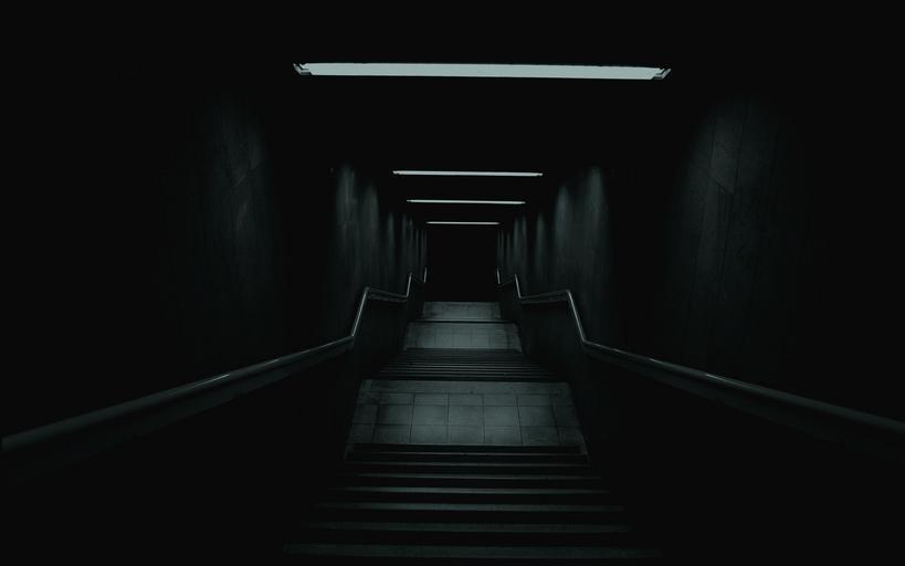 tmavá chodba