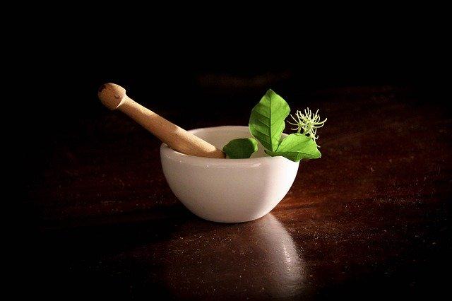 miskovitý hmoždíř na bylinky